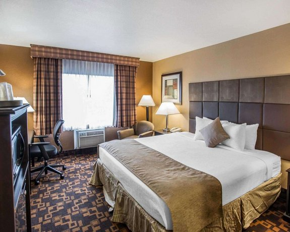 Quality Inn and Suites Denver Stapleton - Compare Deals