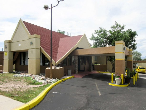 Rodeway Inn & Suites Denver