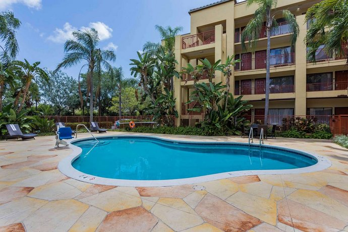 quality suites deerfield beach compare deals. Black Bedroom Furniture Sets. Home Design Ideas