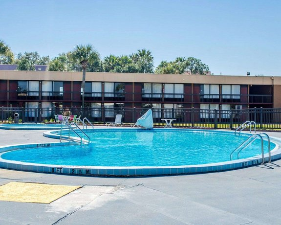 Quality Inn and Suites Gulf Breeze