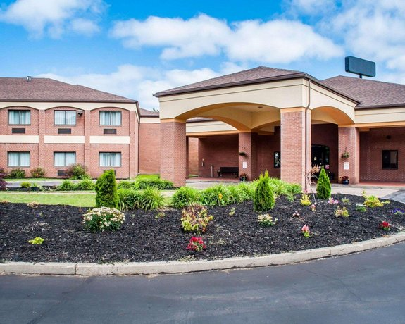 Comfort Suites Buffalo Airport