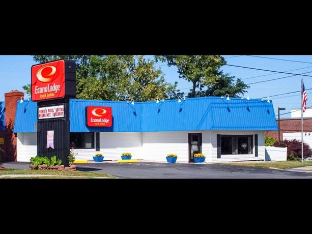Econo Lodge Inn & Suites Plattsburgh
