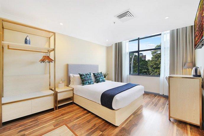 ryals hotel broadway sydney comparez les offres. Black Bedroom Furniture Sets. Home Design Ideas