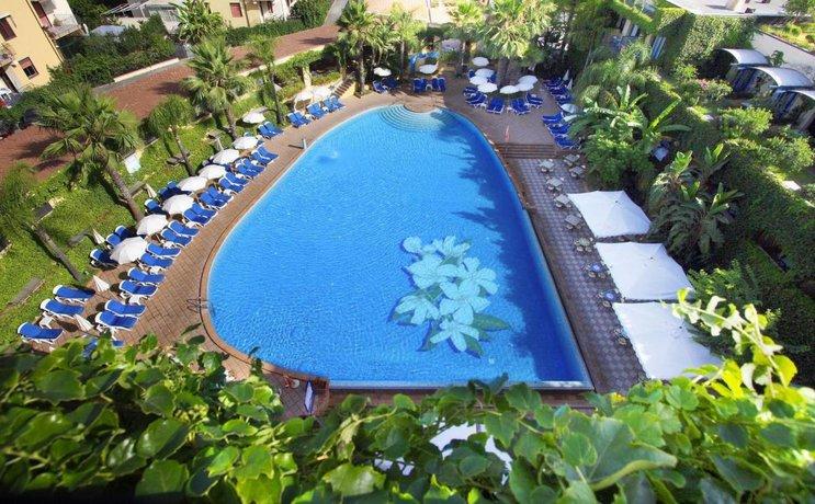 Hotel caesar palace giardini naxos compare deals
