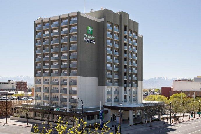 Holiday Inn Express Kansas City Downtown