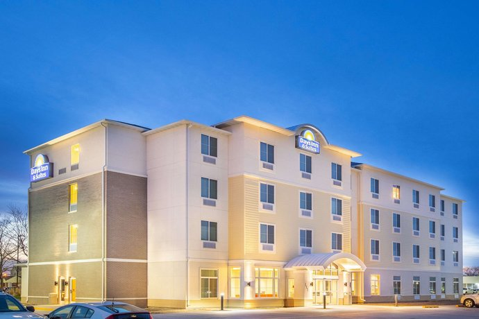 Days Inn & Suites Kearney