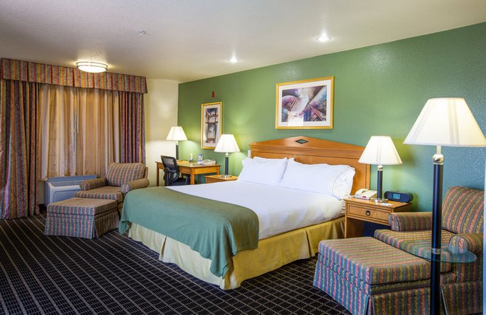 Holiday Inn Express San Jose-Central City - Compare Deals