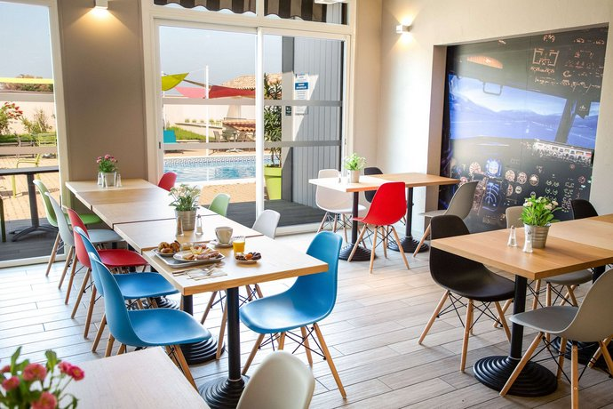 comfort hotel marseille airport vitrolles offerte in corso. Black Bedroom Furniture Sets. Home Design Ideas
