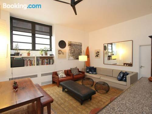 About 2 Bedroom Apartment In Manhattan