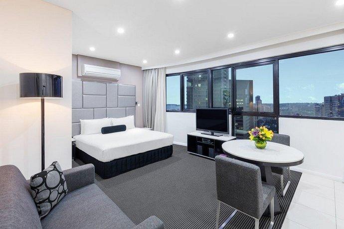 Meriton Suites Kent Street, Sydney - Compare Deals
