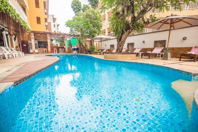 Phuket Guest Friendly Hotels - La Vintage Resort