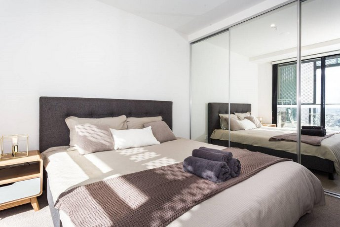 St Kilda Icon Apartment
