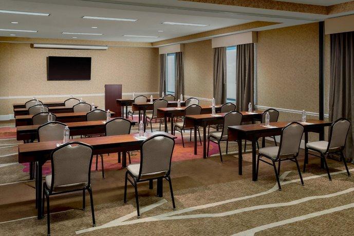 About Hilton Garden Inn Philadelphia Center City
