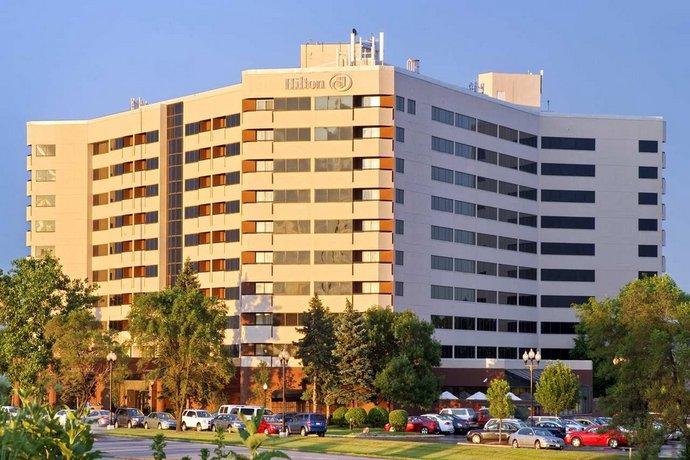 Hilton Chicago Oakbrook Suites