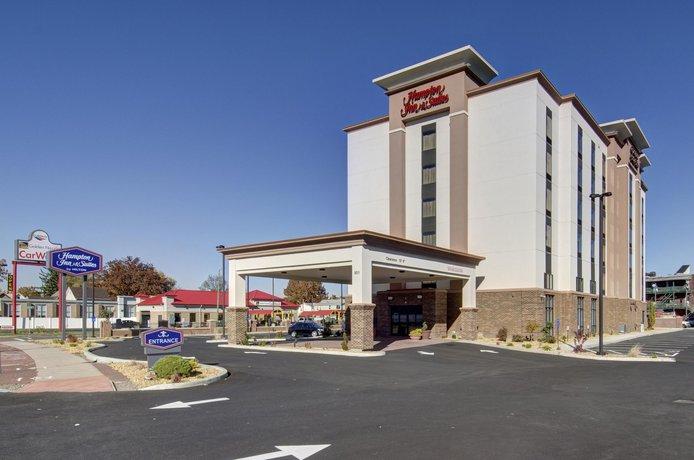 Hampton Inn & Suites Springfield / Downtown
