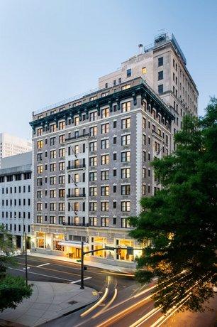 Commonwealth Park Suites Hotel