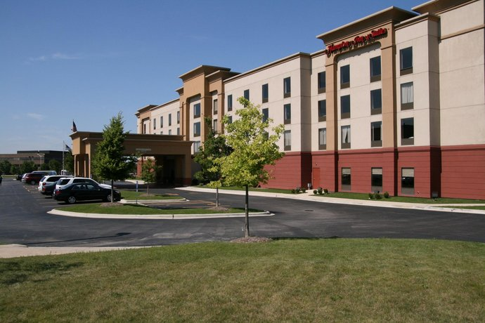 Hampton Inn & Suites Bolingbrook