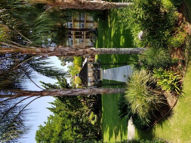 Palm Garden Hotel Thousand Oaks - Compare Deals