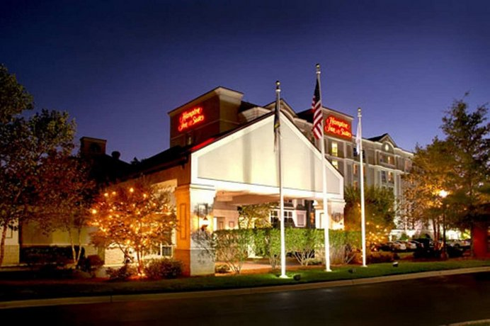 Hampton Inn & Suites Raleigh-Cary I-40 RBC Center