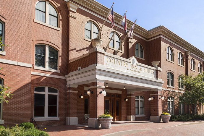 Country Inn & Suites by Radisson St Charles MO