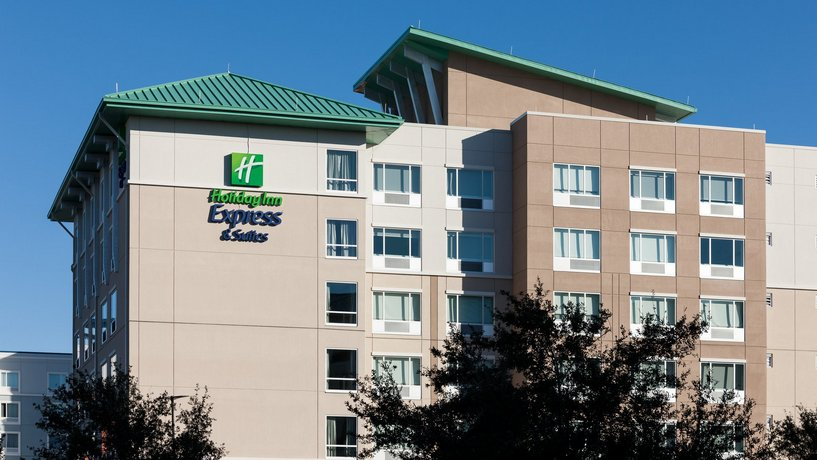 Holiday Inn Express & Suites Orlando at SeaWorld