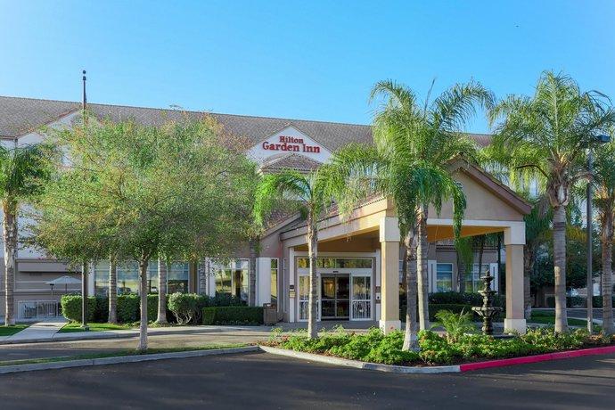 Hilton Garden Inn Bakersfield - Compare Deals