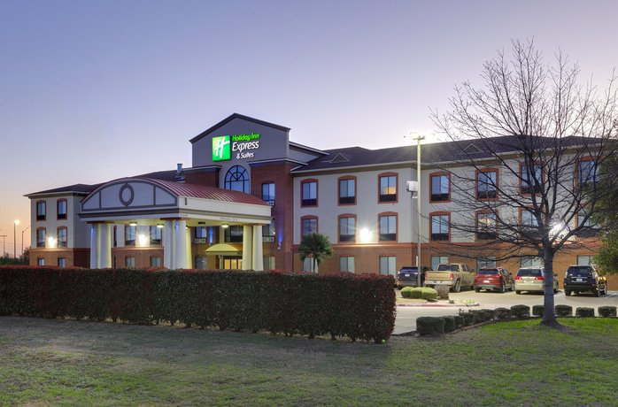 Holiday Inn Express & Suites Burleson/Ft Worth