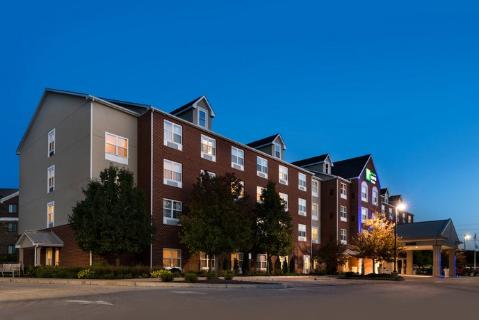 Holiday Inn Express Hotel & Suites St Louis West-O'Fallon