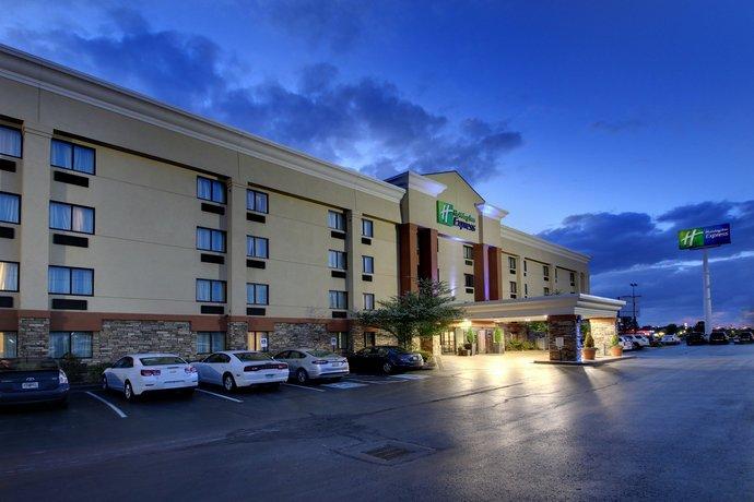 Holiday Inn Express Fort Campbell Oak Grove
