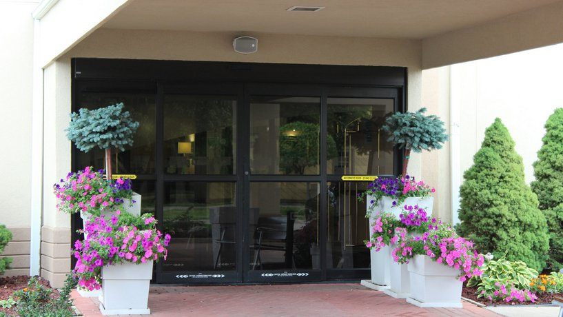 Holiday Inn Express Suites Troy Compare Deals