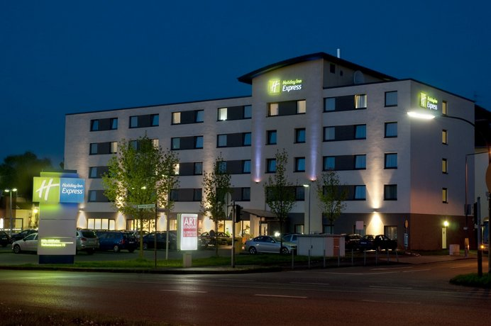 Holiday Inn Express Cologne Mulheim