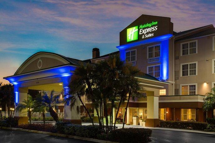 Holiday Inn Express & Suites Sarasota East