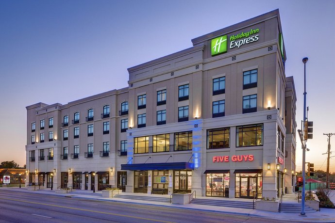 Holiday Inn Express & Suites - Kansas City KU Medical Center