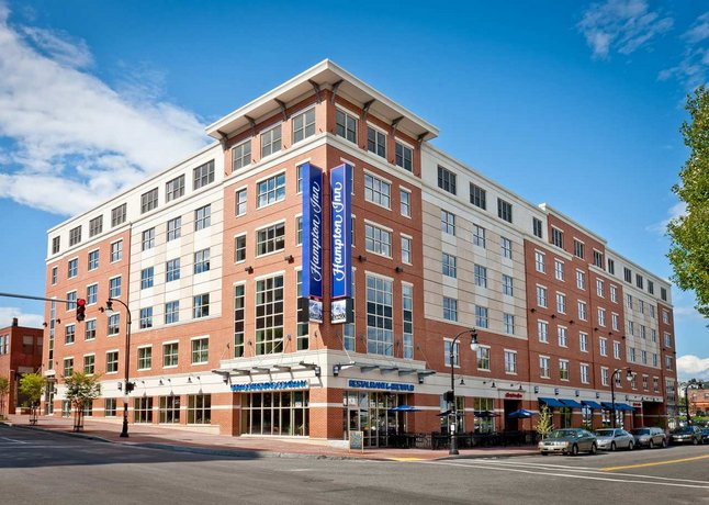 Hampton Inn Portland Downtown - Waterfront