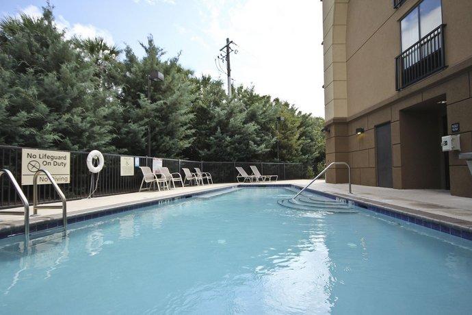 Hampton Inn & Suites Pensacola Gulf Breeze