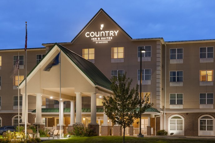 Country Inn & Suites by Radisson Harrisburg at Union Deposit Road PA