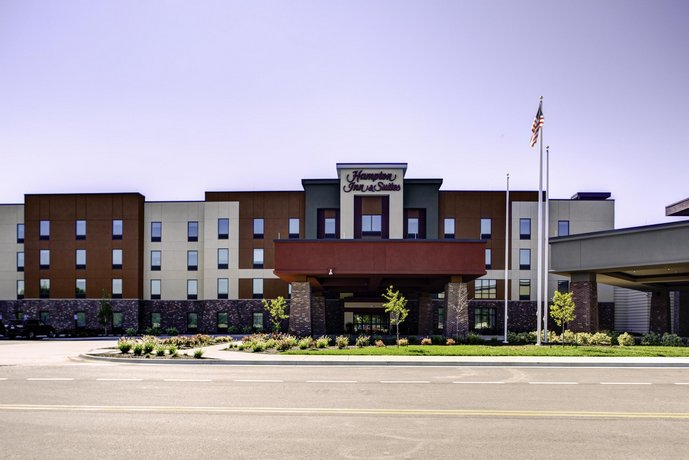 Hampton Inn & Suites/Pittsburg/Kansas Crossing