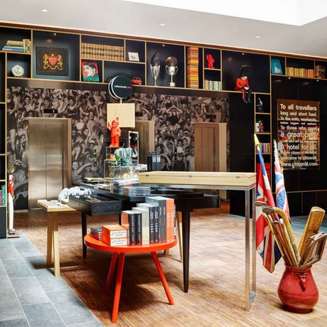 about citizenm tower of london