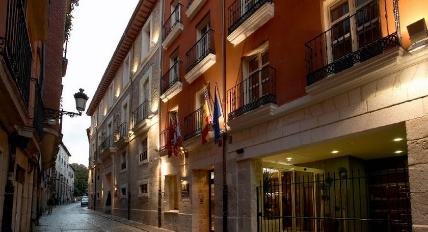 Palacio de los Blasones Suites