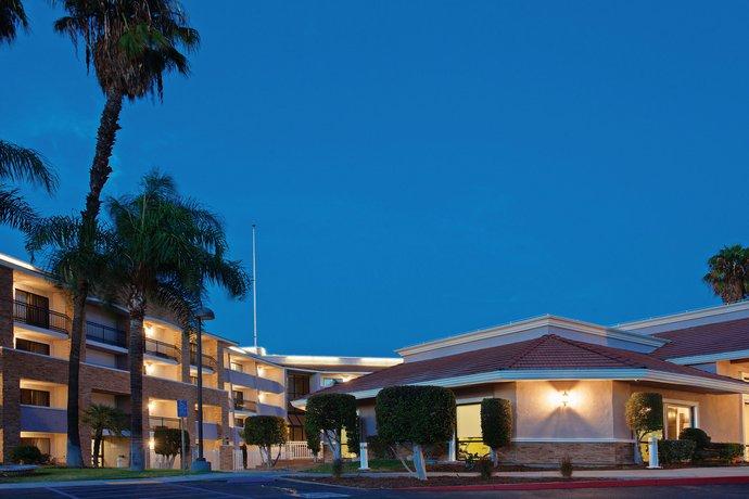 La Quinta Inn & Suites Pomona