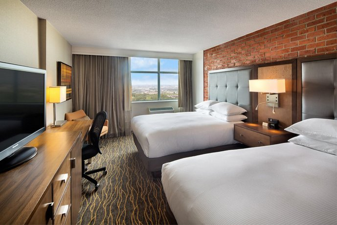 Doubletree by Hilton Toronto Airport ON