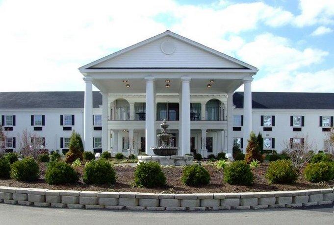 The Campbell House Lexington Curio Collection by Hilton