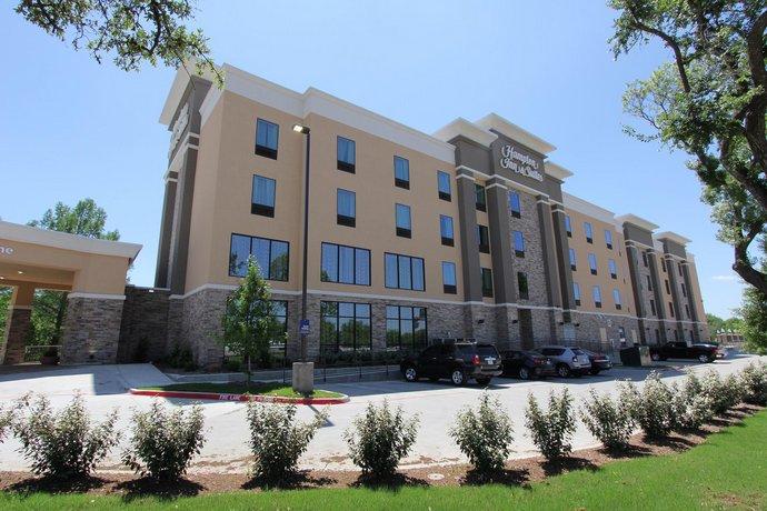 Hampton Inn Suites Dallas Market Center