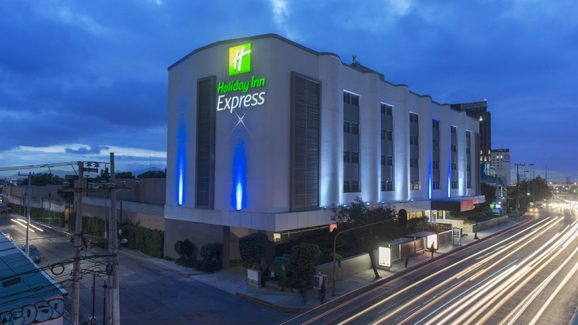 Holiday Inn Express Mexico- Toreo