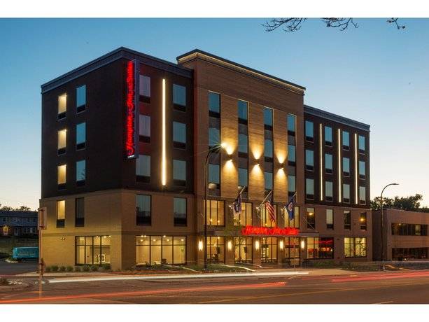 Hampton Inn and Suites Minneapolis University Area MN