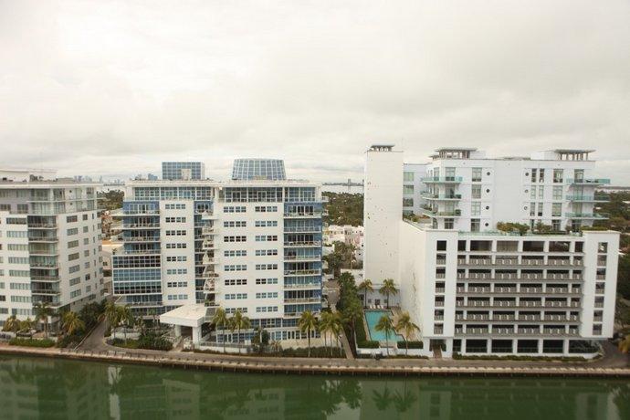 casablanca west tower miami beach encuentra el mejor precio. Black Bedroom Furniture Sets. Home Design Ideas