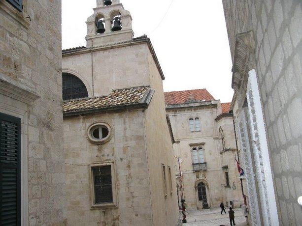 Apartments Adriana Flora