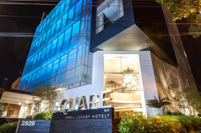 About Square Small Luxury Hotel