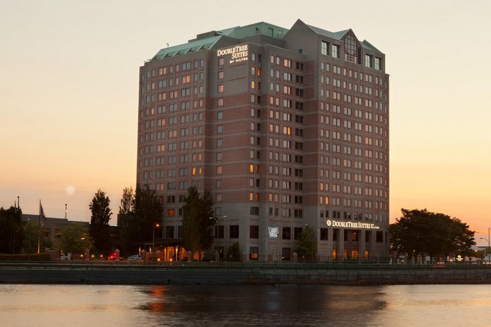 DoubleTree Suites by Hilton Hotel Boston-Cambridge