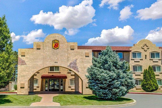 Super 8 by Wyndham Sparks Reno Area Hotel